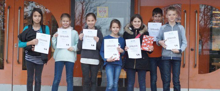 """""""Gute Bücher öffnen uns die Welt"""" – Vorlesewettbewerb 2018 – Fünft- und Sechstklässler beeindrucken die 11a"""